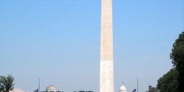 Washington_Monument_and_WW_2_memorial